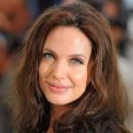 Angelina Jolie - NYÁR